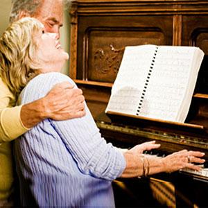 penzioneri sviraju klavir