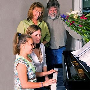 prednosti sviranja na klavir doma