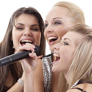djevojke pjevaju