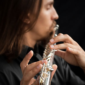 čovjek sa flautom