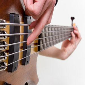 učenje bas gitare prstima